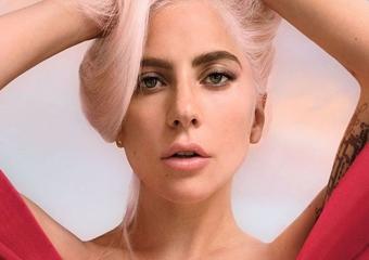 Lady Gaga, Valentino'nun yeni yüzü oldu